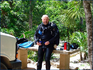 Professor Iliffe prepares for a dive at Choc Mool