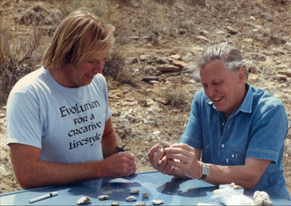 Martin Lockley showing fossils to Sir David Attenborough in 1987